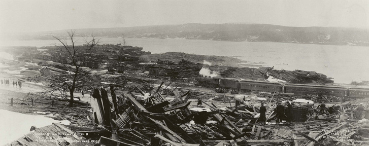 1920px-Looking North toward Pier 8 from Hillis Foundry after Hal