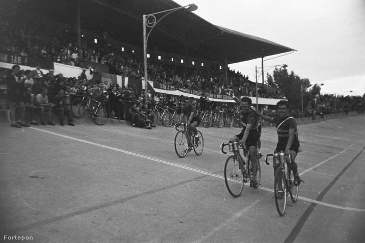 Millenáris pálya, a magyar kerékpáros körverseny (Tour de Hongrie) zárónapja 1949. július 1-jén