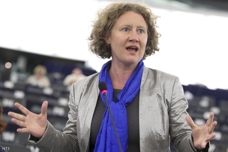 Judith Sargentini a Zöldek/ az Európai Szabad Szövetség Képviselőcsoportja holland tagja felszólal a Rui Tavares portugál zöldpárti európai parlamenti képviselő által készített a jogállamiság magyarországi helyzetéről szóló jelentésről folytatott vitán az Európai Parlament plenáris ülésén Strasbourgban 2013. július 2-án.
