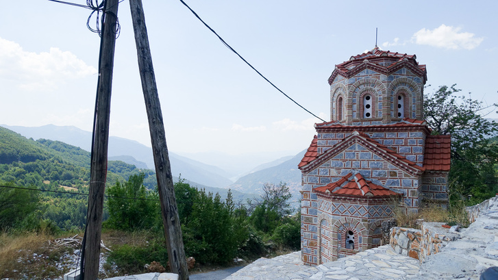 Az ortodox templomok jól állnak a hegyvidéknek