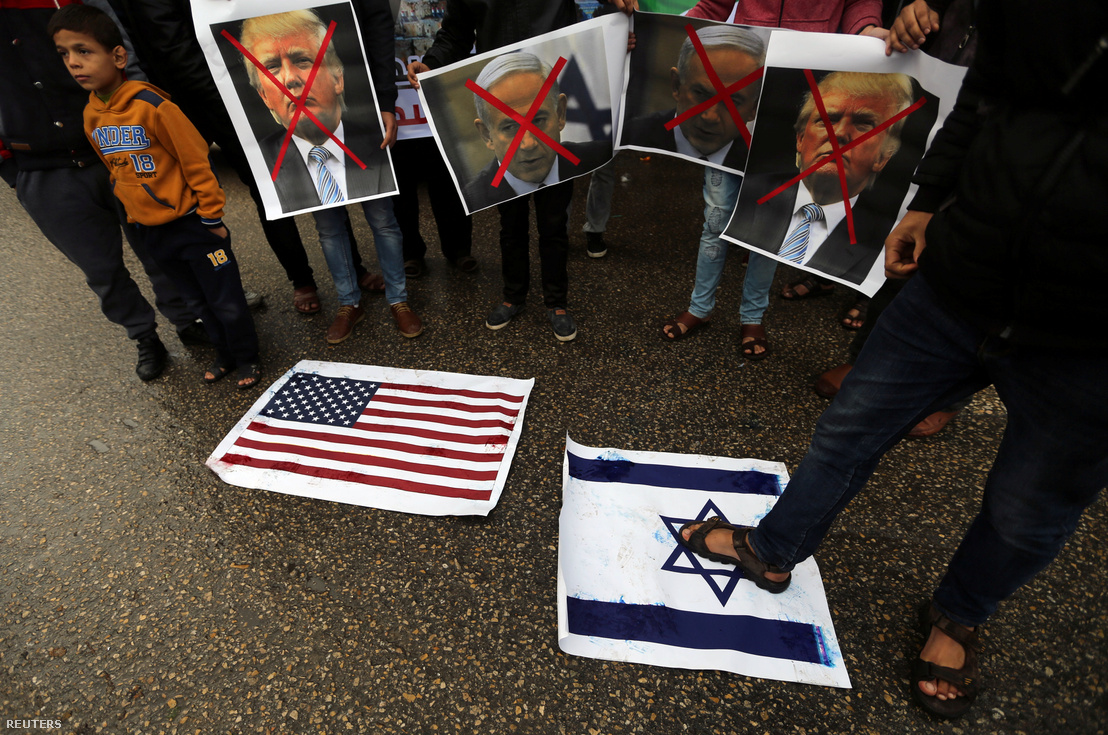 Palesztin tüntetők tiltakoznak a nagykövetség áthelyezése ellen Rafahban