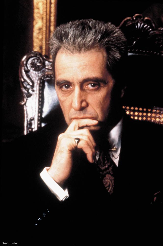 Michael CorleoneAzt, hogy ki kapja A keresztapa főszerepét inkább a stúdiónak és a rendezőnek Francis Ford Coppolának kellett lemeccselnie