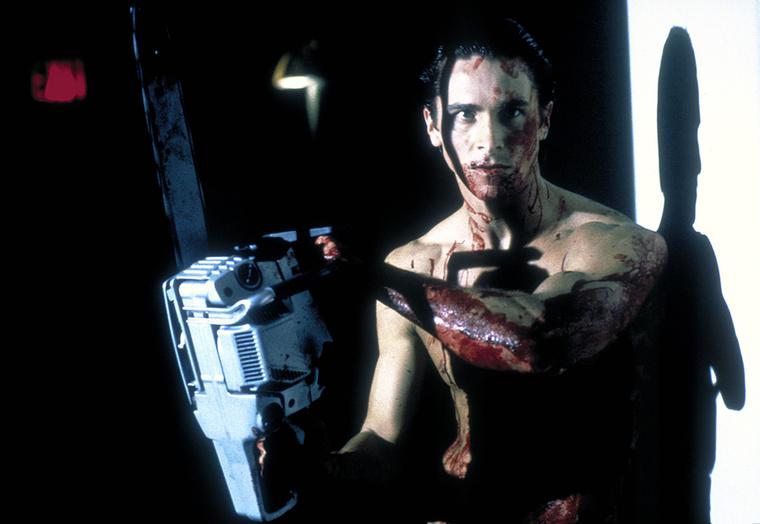 Patrick BatemanAz Amerikai pszichó őrült sorozatgyilkosa sem volt túl kelendő szerep, pédául Edward Nortonnak és Leonardo DiCapriónak se kellett