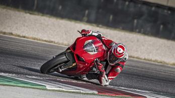 A Ducati új V4-ese megdöntötte a Yamaha R1 rekordját