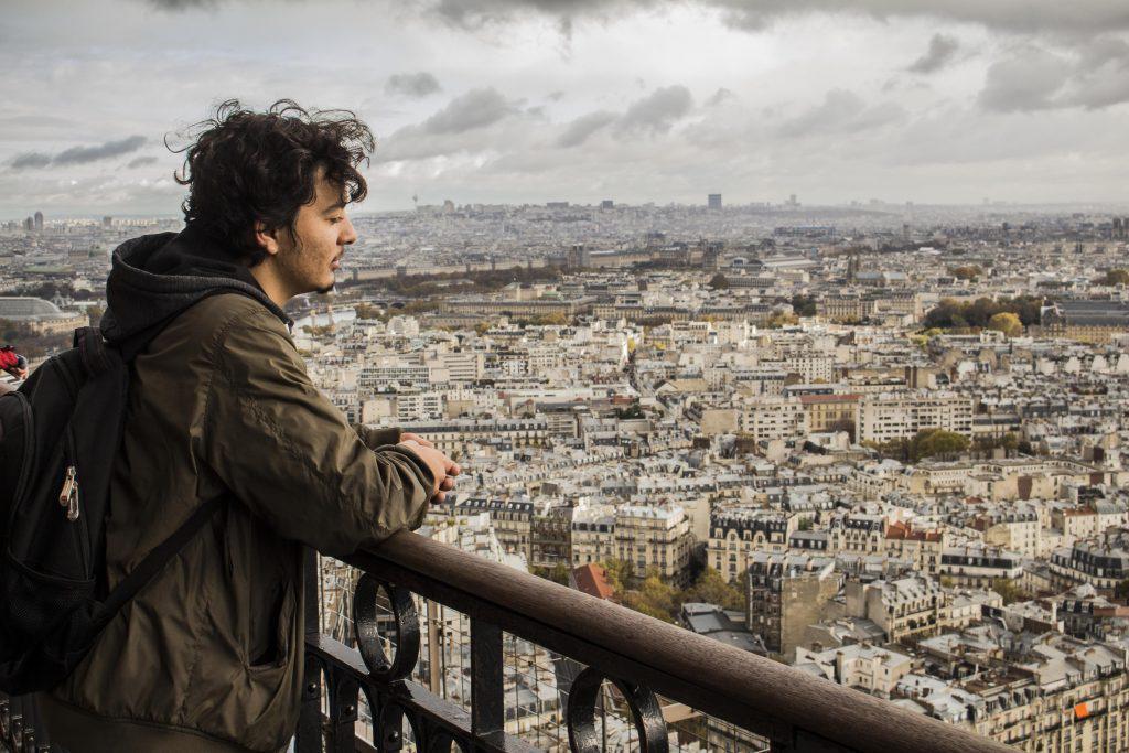 parizsig-kellett-mennie-hogy-ne-egy-roma-legyen-2-1024x683