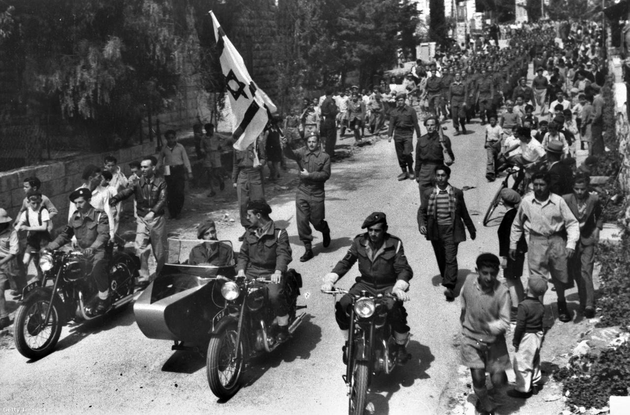 A háború végül az 1949-ben megkötött egyezményekkel ért véget.                          Ennek keretében Jordánia felügyelete alá került Ciszjordánia és Kelet-Jeruzsálem, míg a Gázai övezetet Egyiptom vonta ellenőrzése alá. Izrael és Ciszjordánia között felállították a zöld vonalként ismert ideiglenes határvonalat.