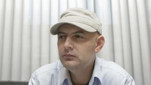 Vujity Tvrtko kiállt VV Fanni mellett