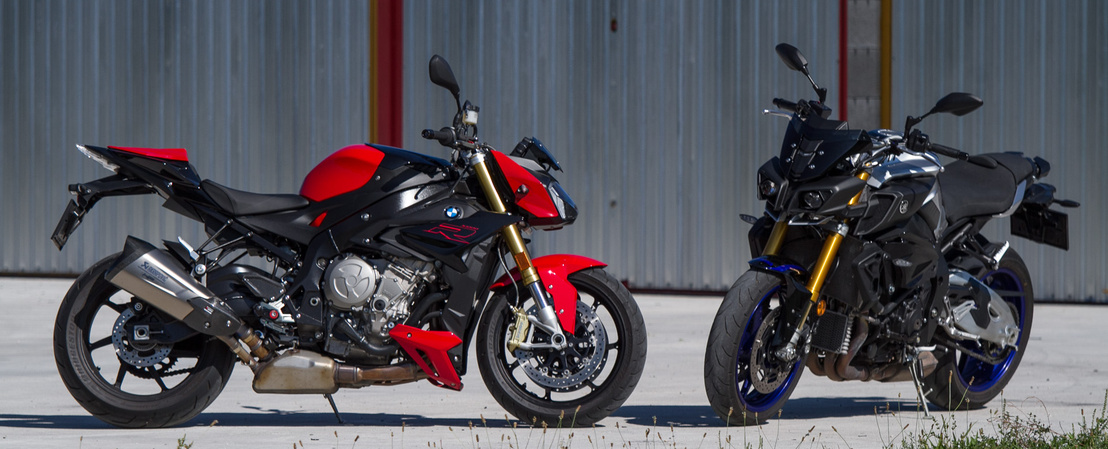 Fullos elektronika, okos futómű, gyorsváltó, verseny ABS, és ezek utcai motorok