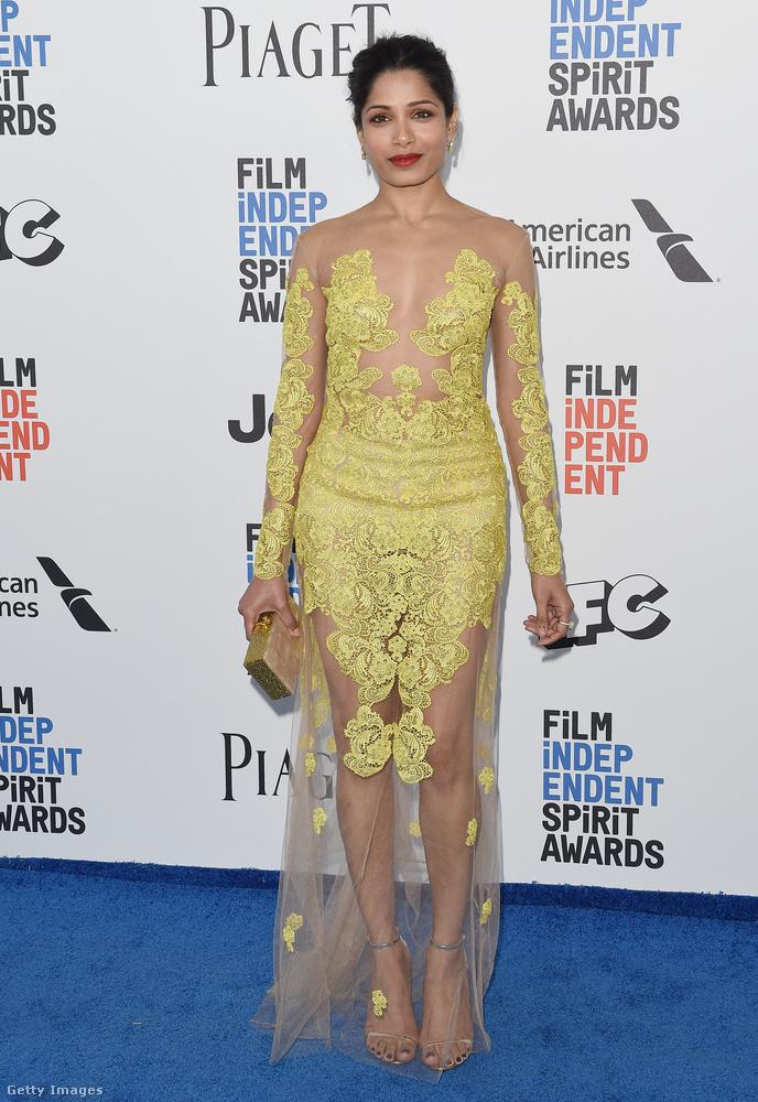 Egy visszafogottabb pucérruha Freida Pinto színésznőn a Santa Monica-i Spitir Awardson.
