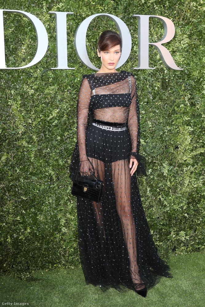 A Dior szerint az áttetsző estélyi volt az év legnagyobb slágere.