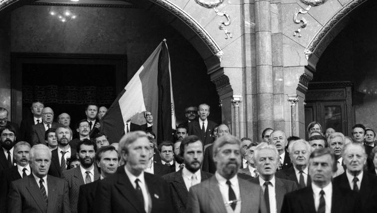 Megvan az állambiztonsági lista az 1990 utáni parlamenti képviselőkről