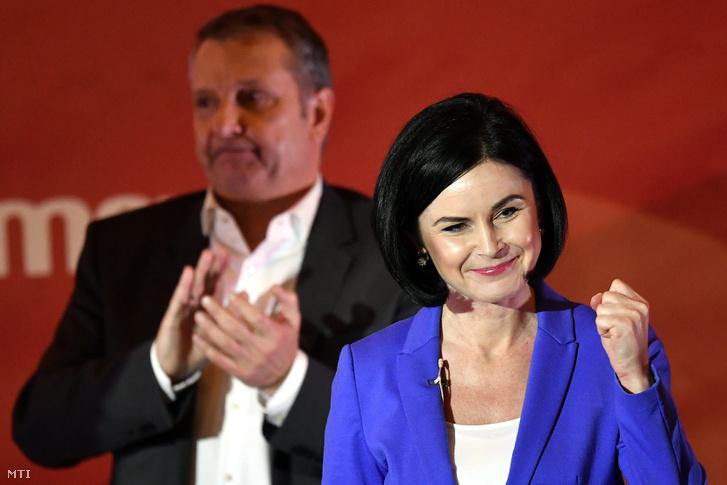 Kunhalmi Ágnes budapesti elnök és Molnár Gyula pártelnök a Magyar Szocialista Párt budapesti programbemutató nagygyűlésén