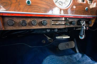 Minden igényt kielégítő fűtőrendszer. Vonzó felszerelés, mert az angol autók közül jó néhányat még a hatvanas években is fűtés nélkül árultak alapból