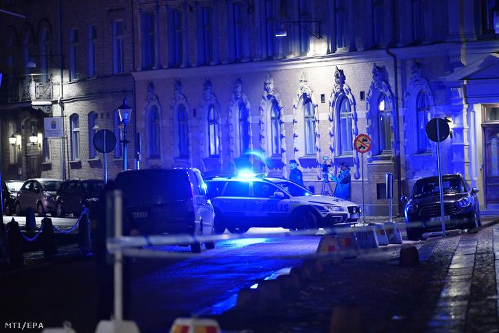 Rendőrök a Molotov-koktélokkal megdobált göteborgi zsinagógánál