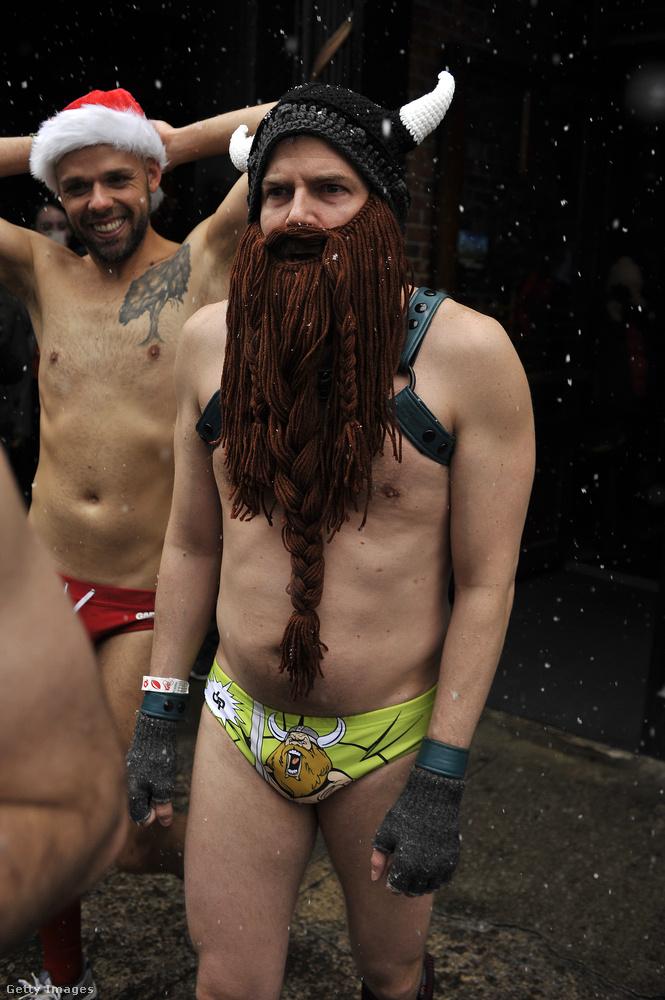 A plusz szakállról nem is beszélve.