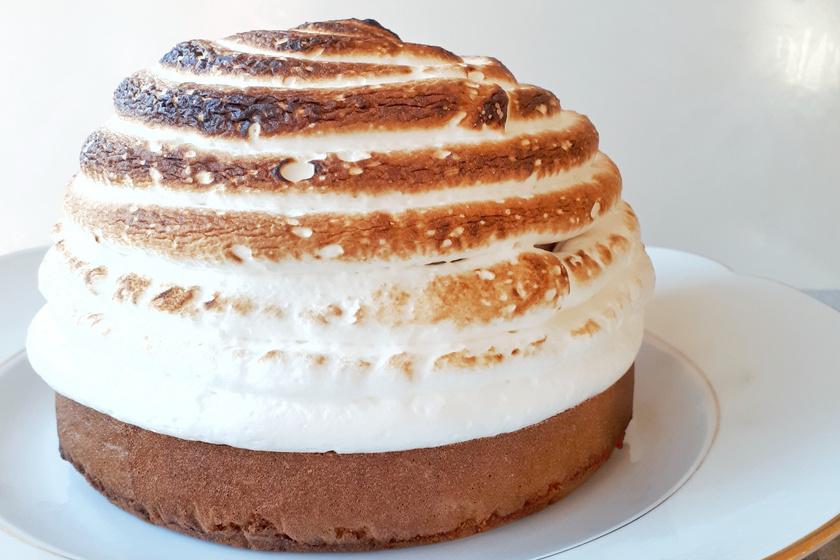 Sült alaszka: egy igazán különleges desszert, amely belül hideg, kívül pedig forró