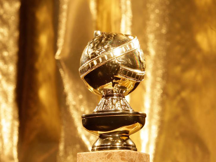 golden-globe-statue