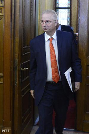 Trócsányi László