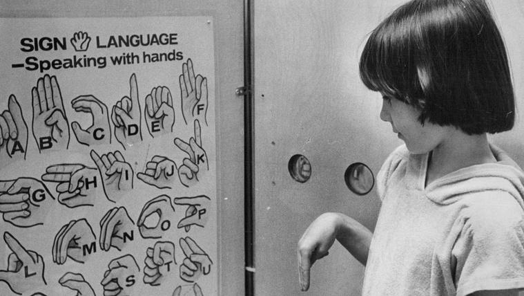 Már jelnyelven is lehet az űrről beszélgetni