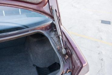 Vagy sokat állt, vagy az előző tulajnak nem volt kedvence az autó takarítás