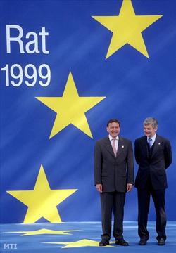 Gerhard Schröder német kancellár és Joschka Fischer