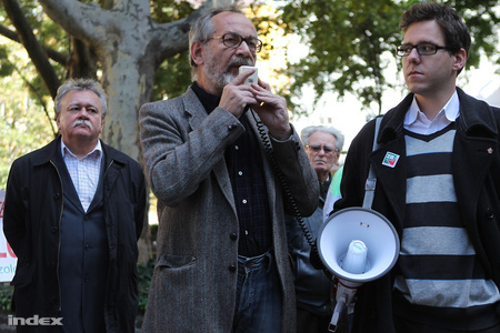 Tamás Gáspár Miklós a Zöld Baloldal 2010. szeptember 29-i demonstrációján (Fotó: Barakonyi Szabolcs)
