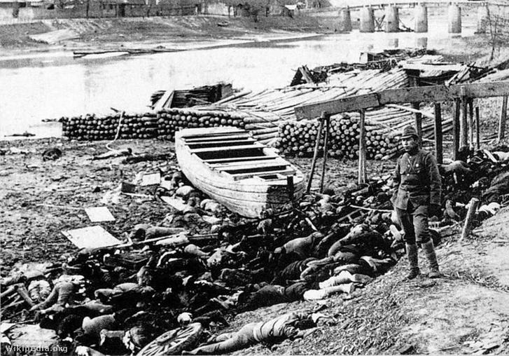 Holttestek a Jangce partján