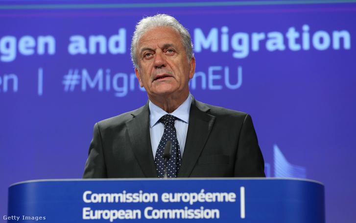 Dimitris Avramopoulos menekültügyért felelős görög biztos