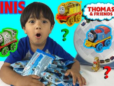 Ez a 6 éves kisfiú 11 millió dollárt keresett azzal, hogy dobozokat nyit ki