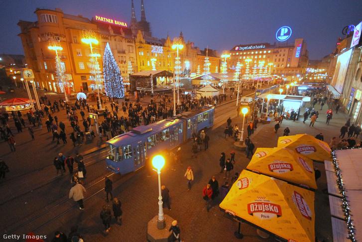 A zágrábi karácsonyi vásár 2013-ban