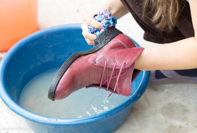 Lehet e gépben mosni a cipőket? Dívány