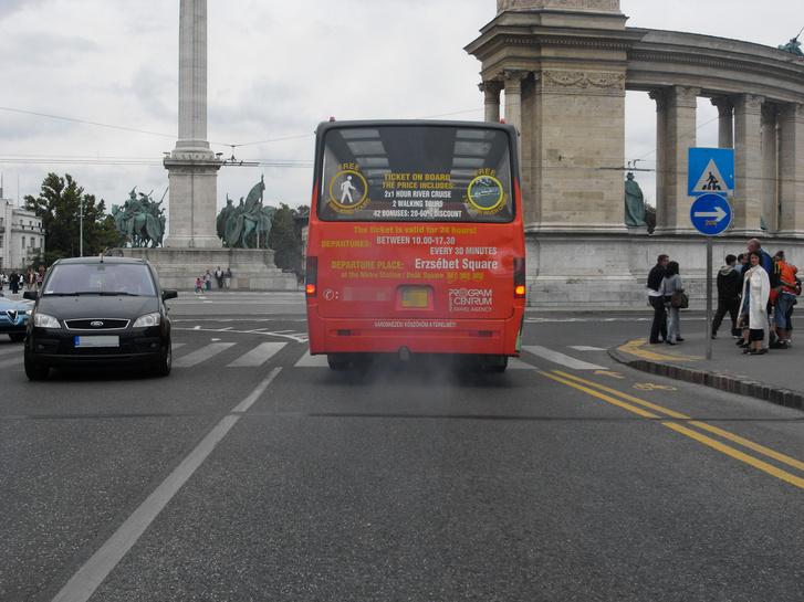 A buszokkal valahogy senki nem törődik? Pedig kilóra azok ütnek a legnagyobbat
