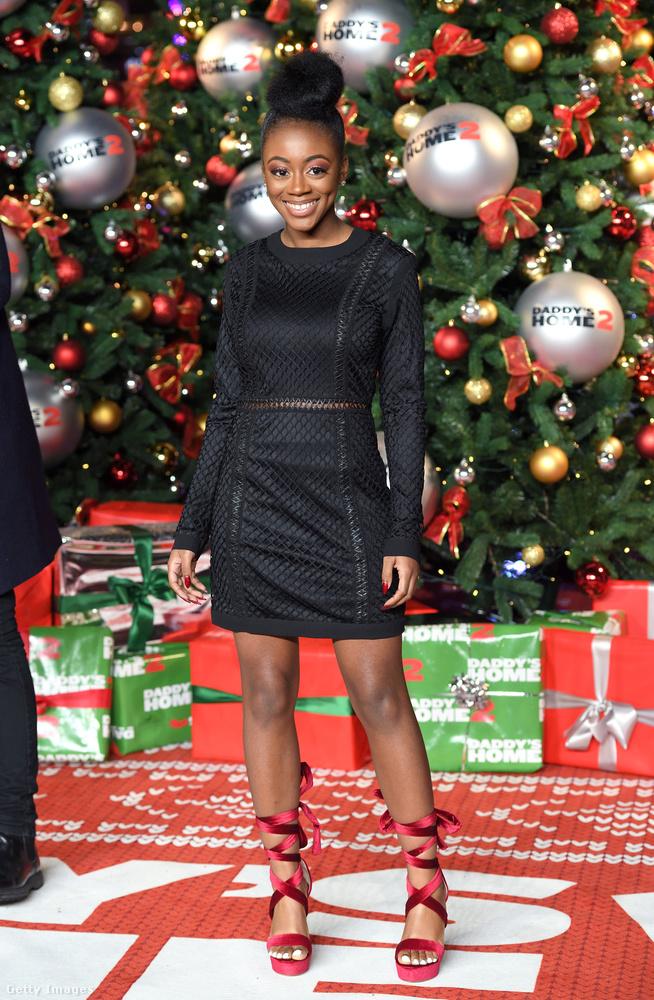 Az X-faktoros Rai-Elle Williams is ezen a rendezvényen pózolt kis fekete ruhában.