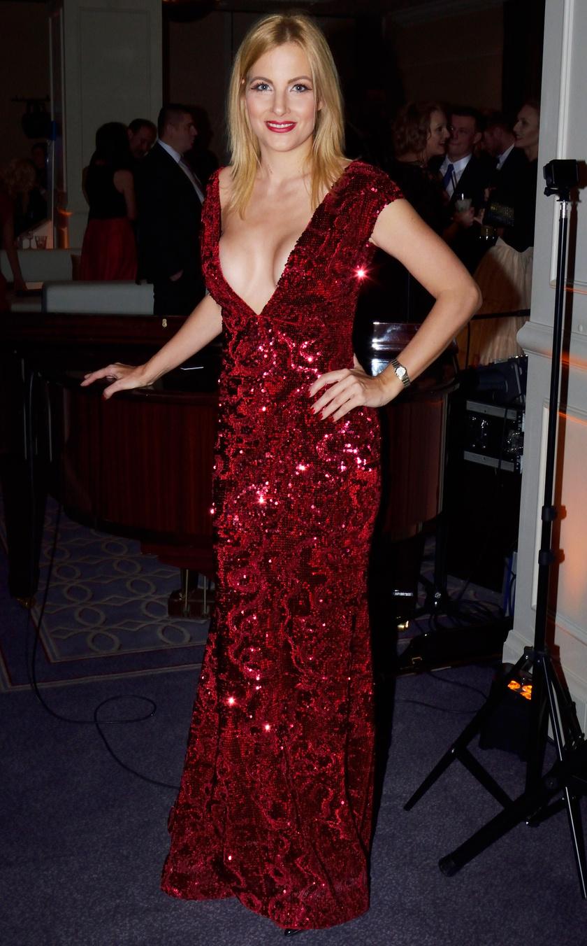 Várkonyi Andrea a februári Story-gálán az est legmerészebben dekoltált estélyi ruháját viselte, amelyet Léber Barbara tervezett.