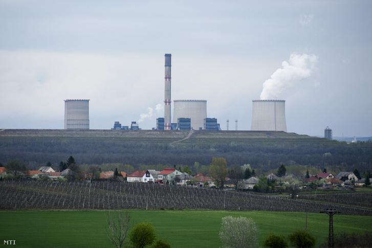 A mátrai erőmű Visonta közelében