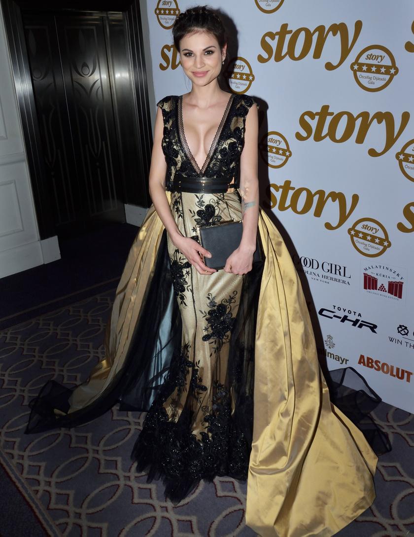 Az RTL Klub műsorvezetője, Nádai Anikó a februári Story-gála egyik legszebb sztárja volt a káprázatos Robert Maar-estélyiben.