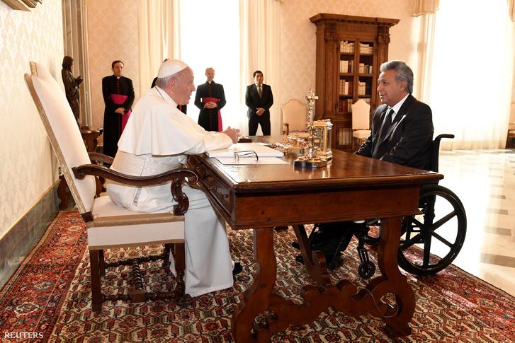 Ferenc pápa és Lenin Moreno