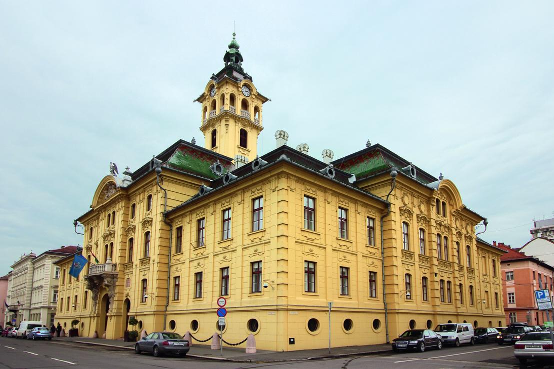 A szegedi városháza, ahol előírták a neobarokk stílust