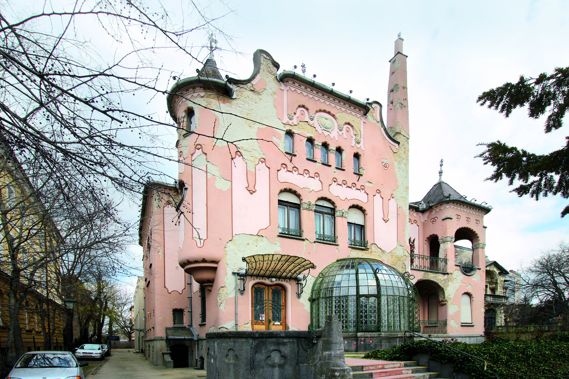 Ilyen házai miatt érdemelte ki a magyar Gaudí nevet - az elhanyagolt Sipeki-villa a Városligetnél