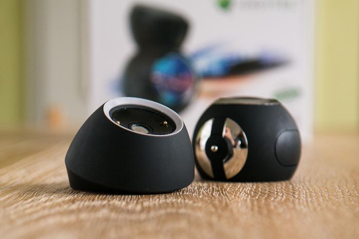 Navitel R1000: a két rész közötti kapcsolatot mágnes teremti meg