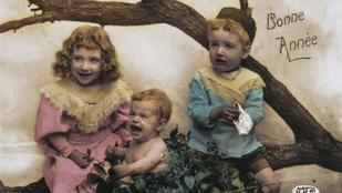 Ilyet idén úgyse kapott: íme, néhány régi és szokatlan karácsonyi képeslap