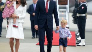 Végre! Megérkezett György herceg és Sarolta hercegnő idei karácsonyi fotója