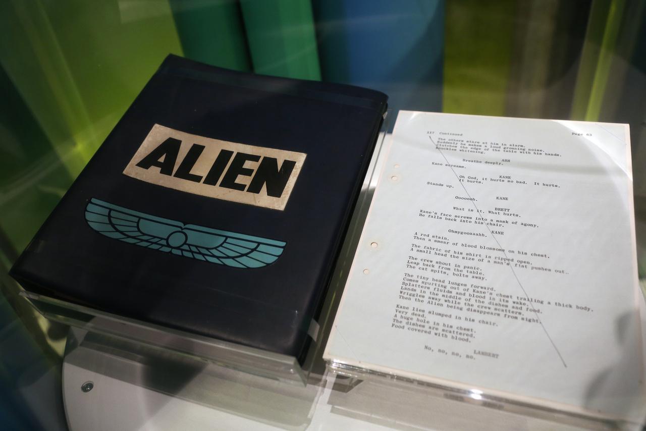 Az Alien (A nyolcadik utas: a Halál) forgatókönyve, a rendező, Ridley Scott jegyzeteivel, 1979.