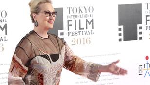 Meryl Streep-ellenes poszterekkel plakátolták ki Los Angeles-t