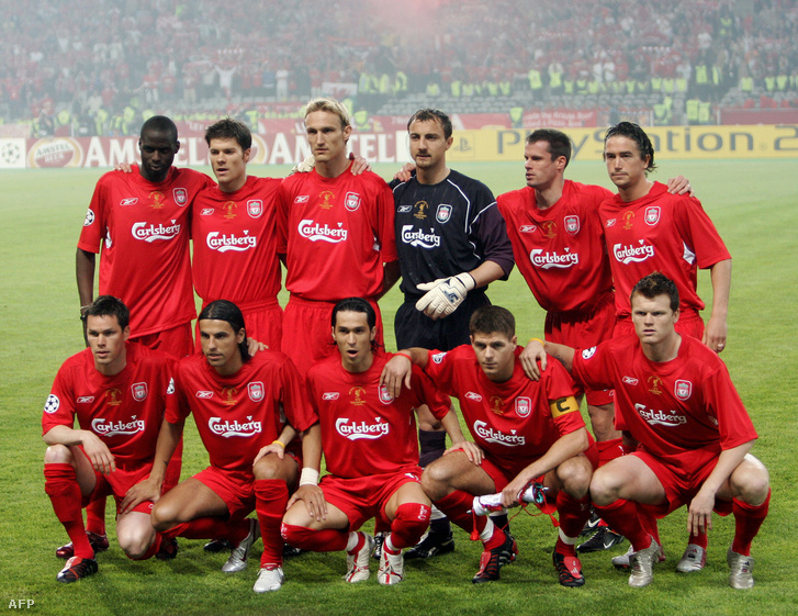 Állnak: Djimi Traore, Xabi Alonso, Hyypia, Dudek, Carragher, Kewell. Guggolnak: Finnan, Baros, Luis Garcia, Gerrard, Riise - Liverpool, 2005, Isztanbul.