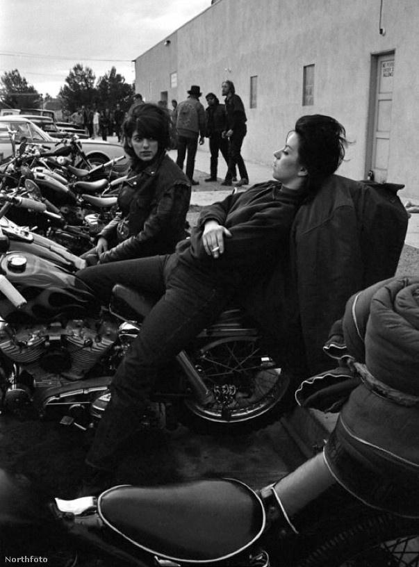 Bár nem vehettek részt a banda irányításában, mégis nagyon fontosak voltak ezek a nők, akik fel mertek lázadni a kor normái ellen