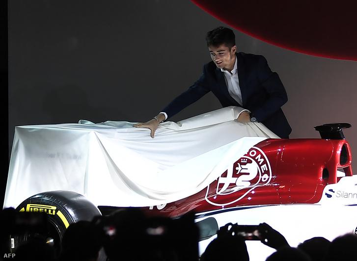 Charles Leclerc az Alfa-Sauber bemutatóján