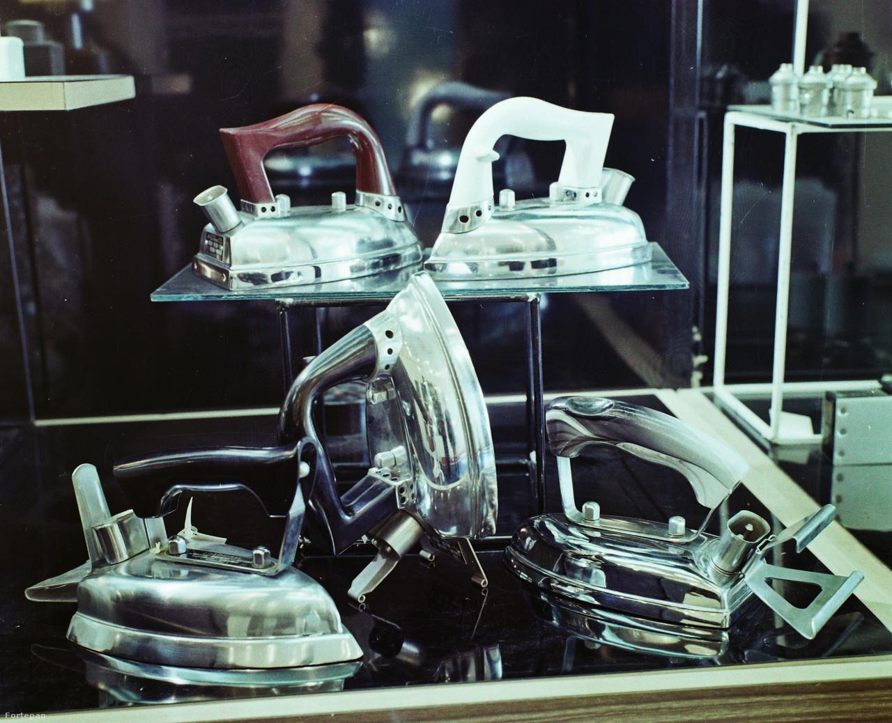 Szép, mint öt vasaló szándékos találkozása a bolti kirakatban (1973).
