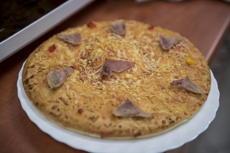 Így nézett ki, mikor elvileg elkészült a 329 forintos Pizza Most sonkás pizza