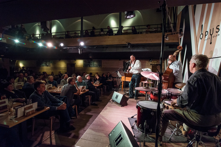 A Dresch Quartet koncertje az Opus színpadán